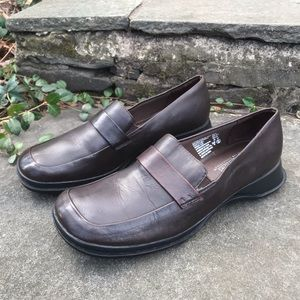 Predictions Womens Brown Leather Loafers